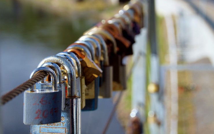 Incorporate Security into DevOps to Reduce Software Risk
